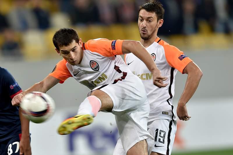 Stepanenko marca o golo do Shakhtar