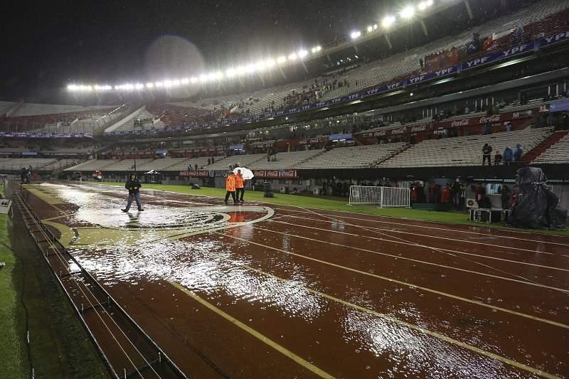 Chuva adia o Argentina-Brasil no Monumental Nuñes