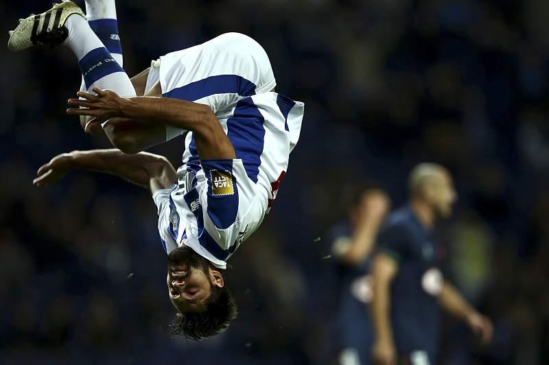 Felipe celebra um golo que foi anulado