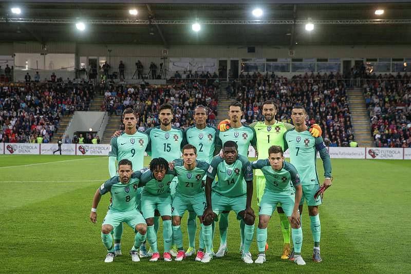 Seleção portuguesa posa para a fotografia