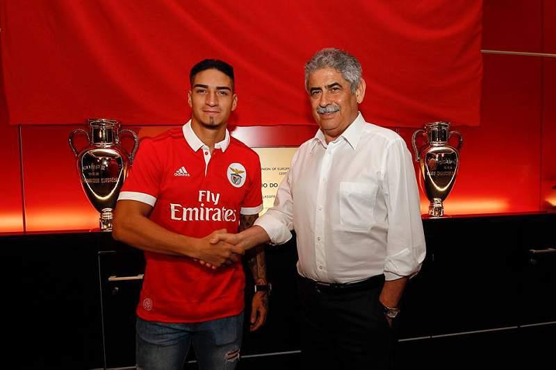 Arango oficial no Benfica