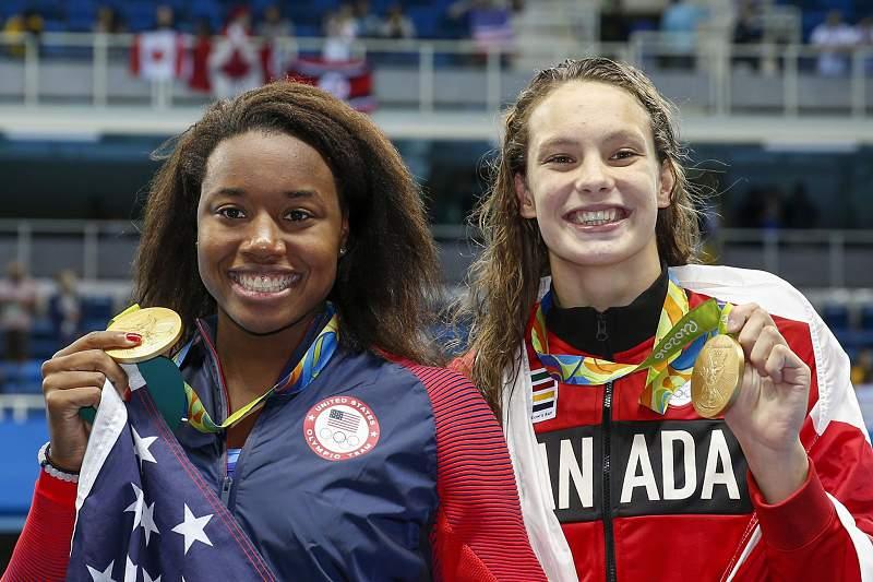 Norte-americana Simone Manuel e canadiana Penny Oleksiak conquistam ouro