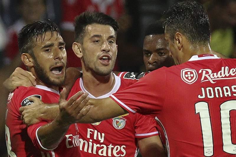 Benfica celebra vitória na Choupana