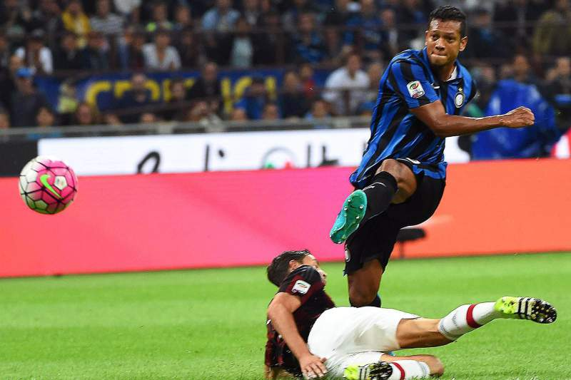 Fredy Guarin fez o golo do Inter Milão