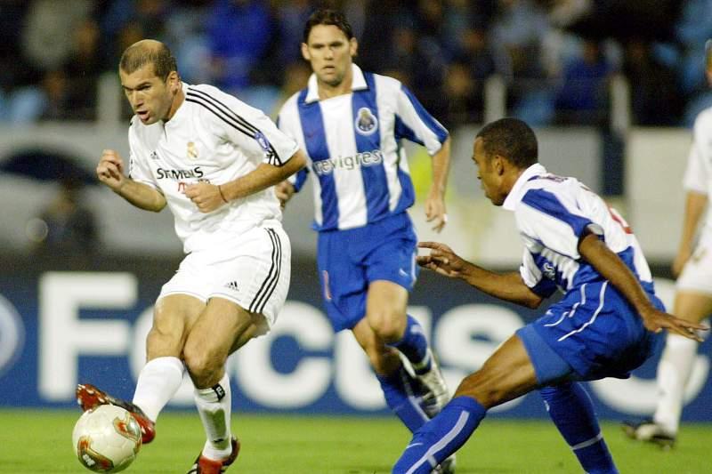 Real Madrid - FC Porto: Costinha e Zidane