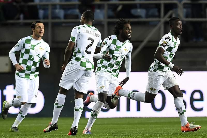 Jogadores do Moreirense festejam golo
