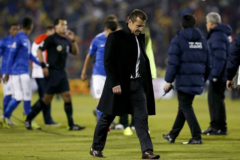 Dunga admite que Brasil falhou, Pekerman fala em vitória justa