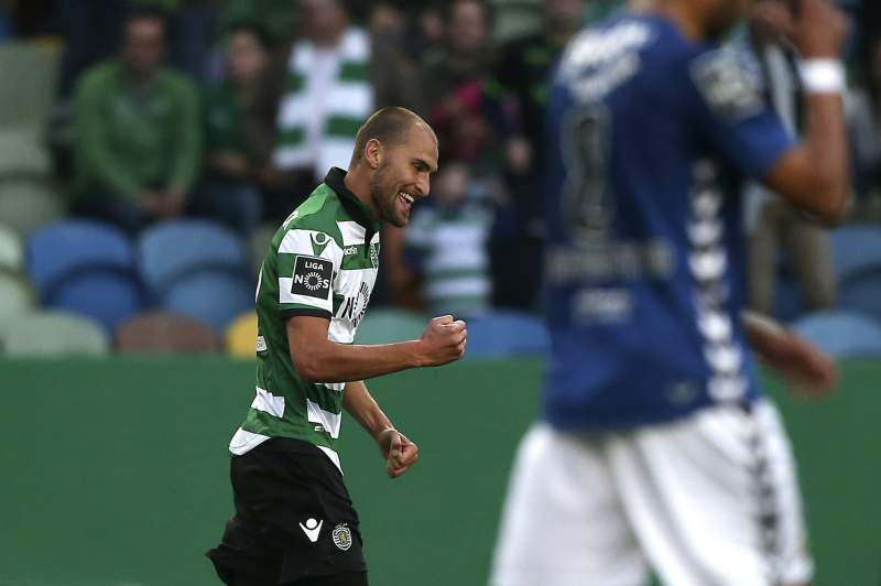 Bas Dost celebra um golo frente ao Nacional da Madeira
