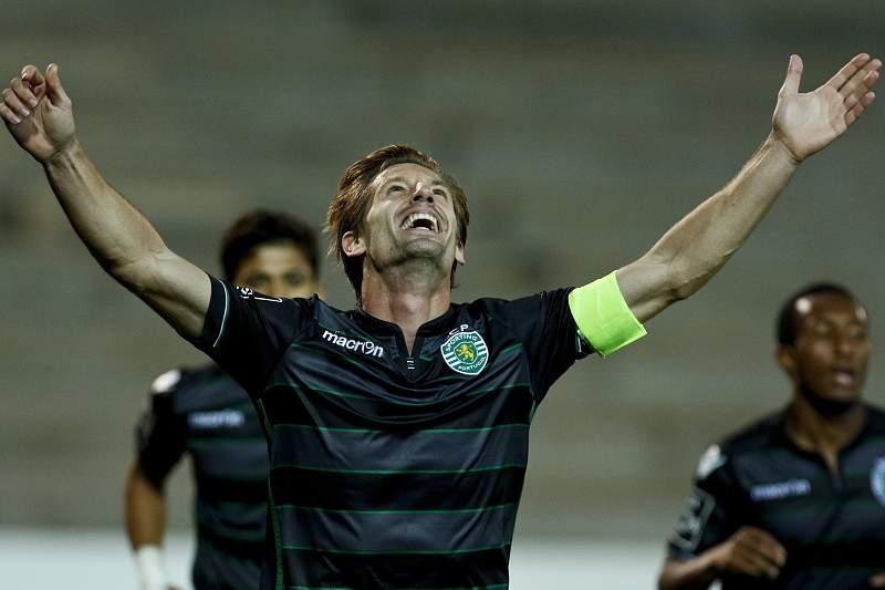 Adrien festeja golo do Sporting