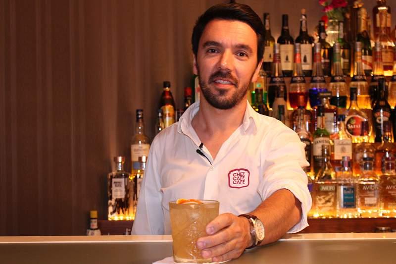 José Costa, gerente do Chez Café Café