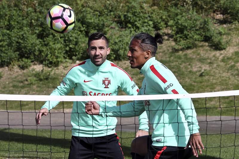 Bruno Alves e Moutinho foram convocados