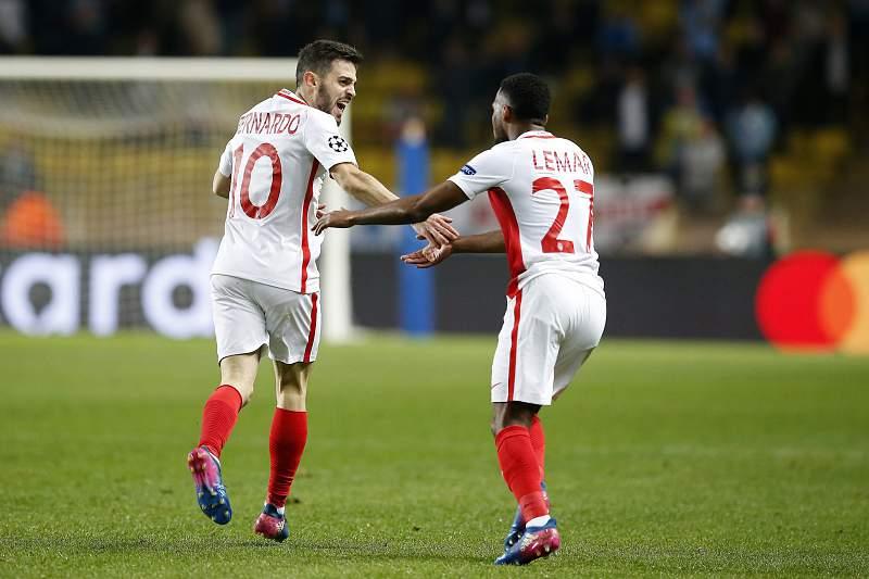 Bernardo festeja com Lemar