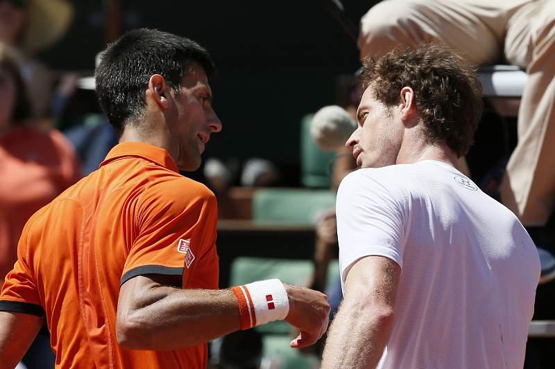 Djokovic trava reviravolta de Murray em duelo épico