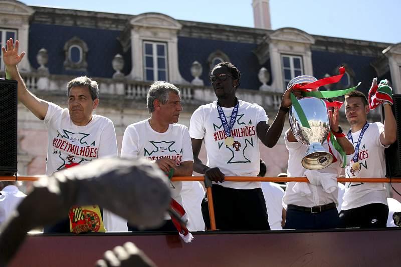Éder festeja com os adeptos em Lisboa