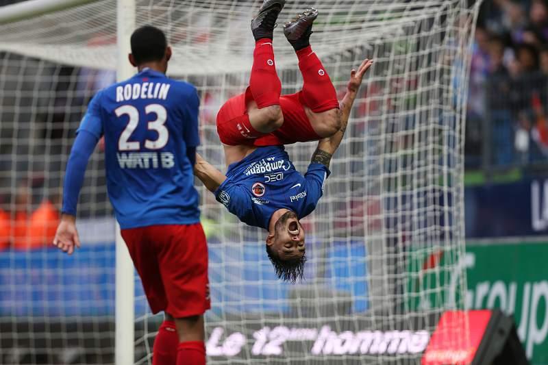 Andy Delort (Caen) festeja um golo.