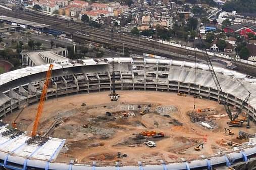 Estádio do mundial 2014 (Brasil) em construção