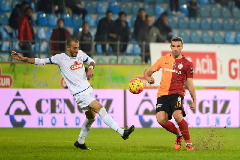 Galatasaray perdeu com o Rizespor nos descontos