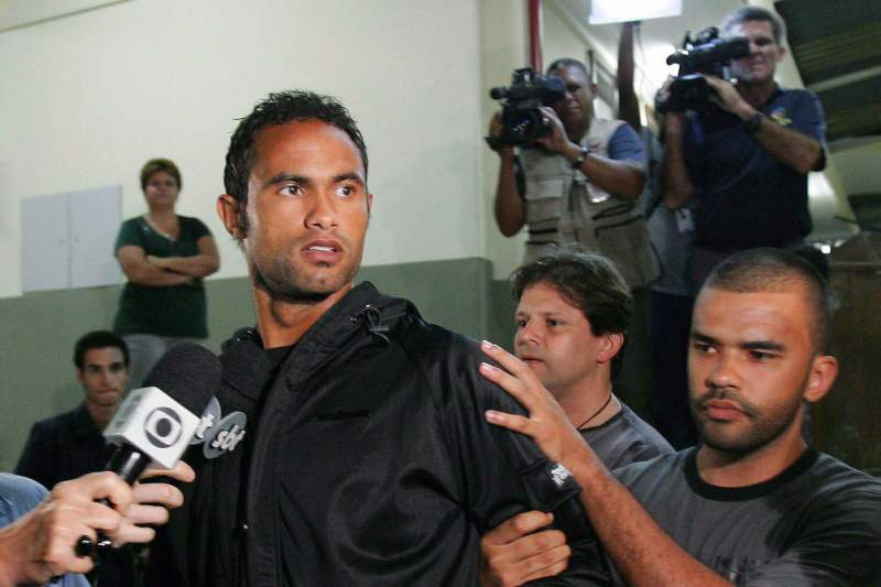 Flamengo goalkeeper wanted in disappearance of former lover gives himself up to police