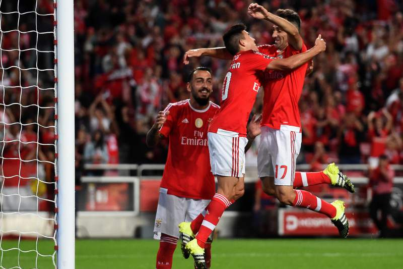 Jonas e Gaitán celebram o golo frente ao Belenenses