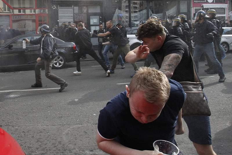 Polícia francesa continua a apaziguar os ânimos dos adeptos no Euro2016