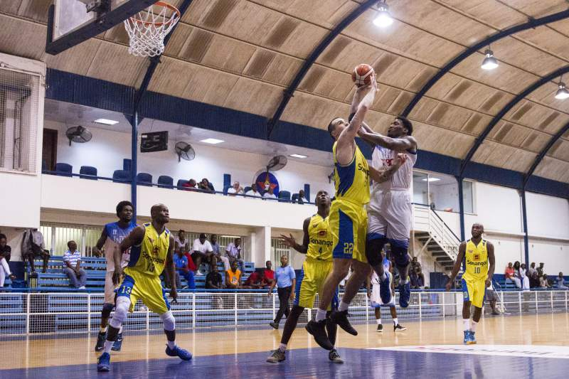 Basquetebol: Petro de Luanda vs Interclube