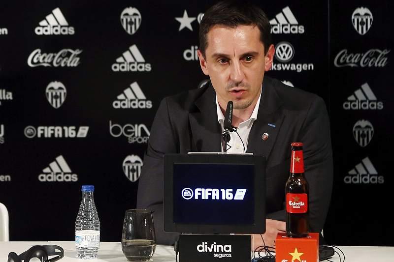 Gary Neville na conferência de imprensa de apresentação como novo treinador do Valência