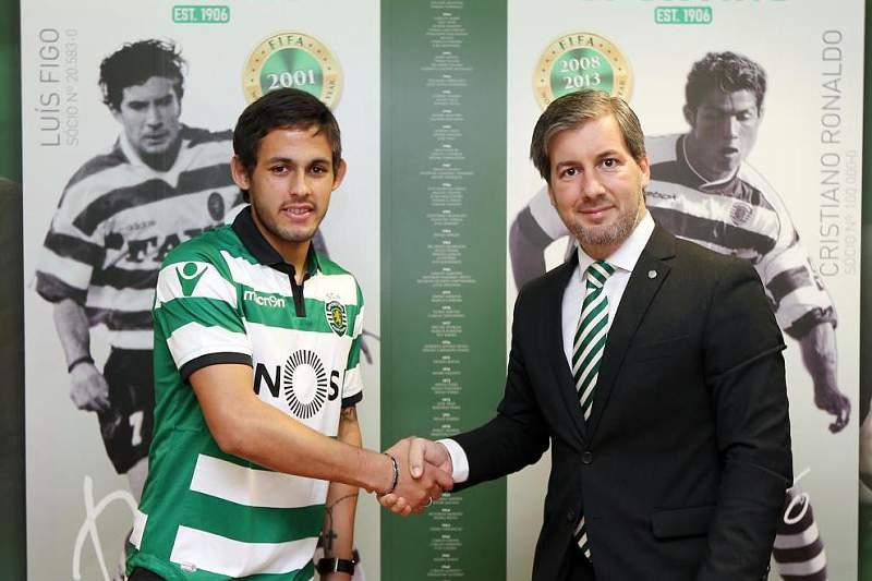 Bruno de Carvalho com Marcelo Meli na apresentação oficial do médio argentino de 24 anos