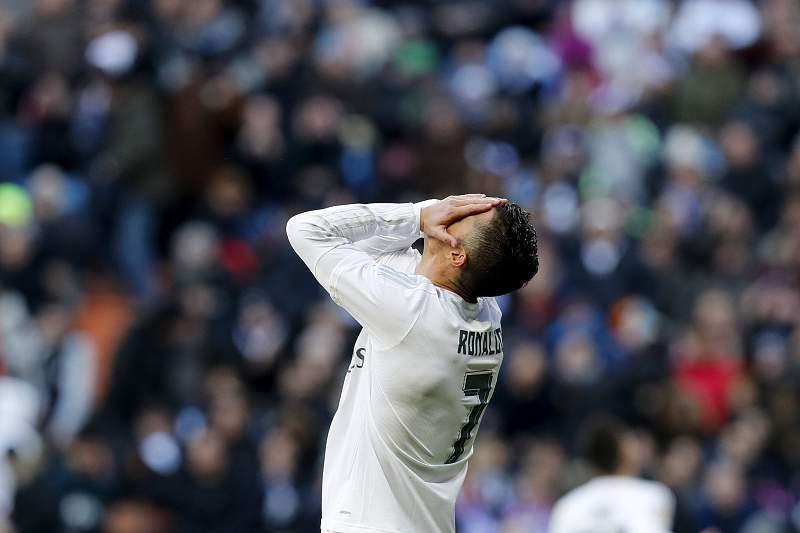 Cristiano Ronaldo do Real Madrid reage durante o jogo contra Atletico Madrid, em Madrid, Espanha. Ballesteros/Lusa