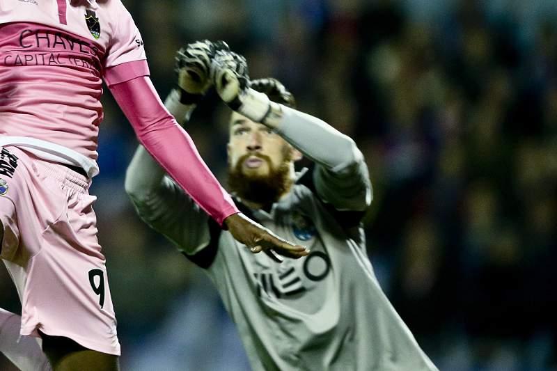 José Sá assume a baliza no último encontro da temporada
