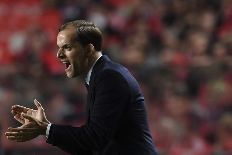 Thomas Tuchel dá indicações aos jogadores do Borussia Dortmund no Estádio da Luz