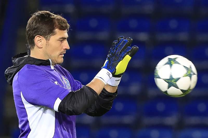 Iker Casillas durante um treino do FC Porto em Leicester para a Liga dos Campeões