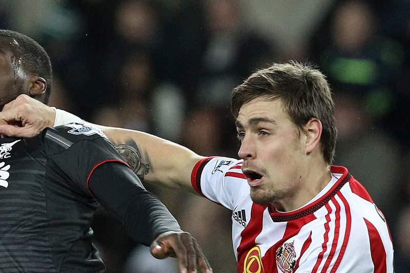 Coates em ação pelo Sunderland