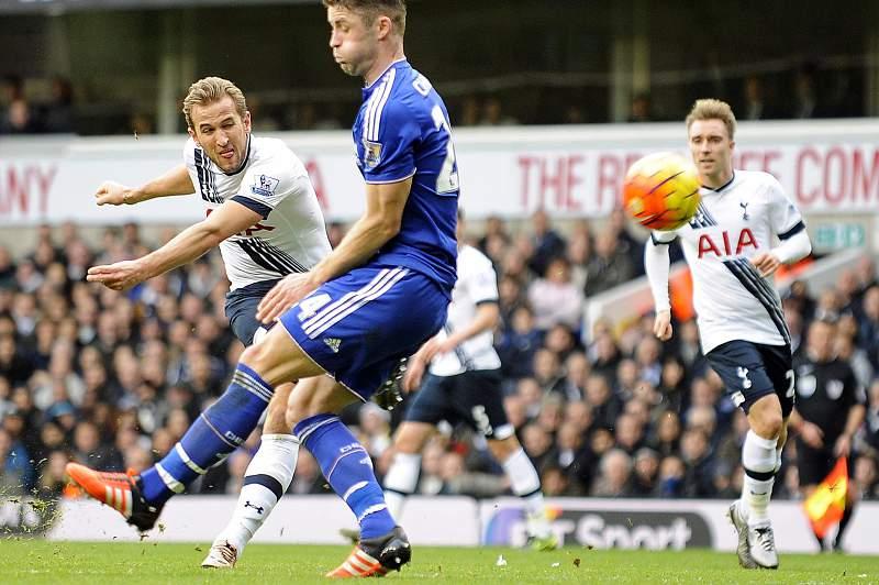 Chelsea de Mourinho empata a zero em White Hart Lane