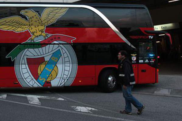 Autocarro do Benfica j