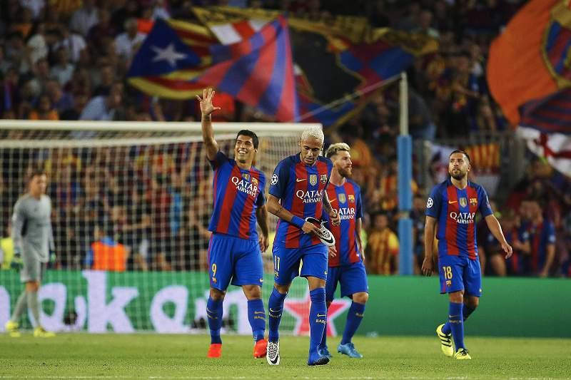 Luís Suárez celebra um dos sete golos do Barcelona frente ao Celtic Glasgow