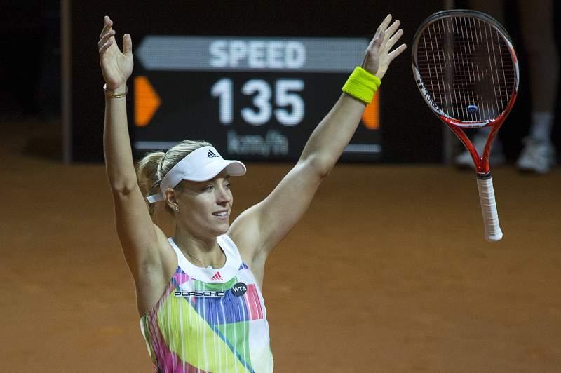 Angelique Kerber revalida título no torneio de ténis de Estugarda