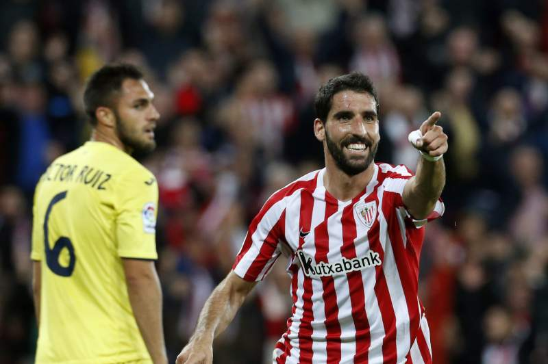 Raul Garcia (D) celebra o golo do Athletic