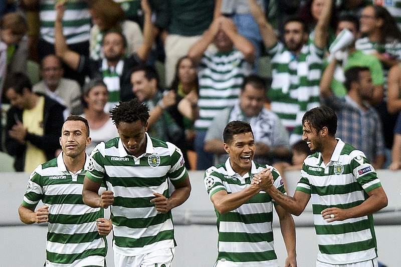 Slimani deixa o Sporting mais perto da Champions
