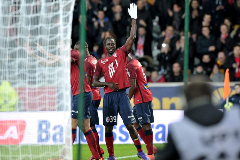 Éder estreia-se a marcar pelo Lille, mas sai lesionado ao intervalo