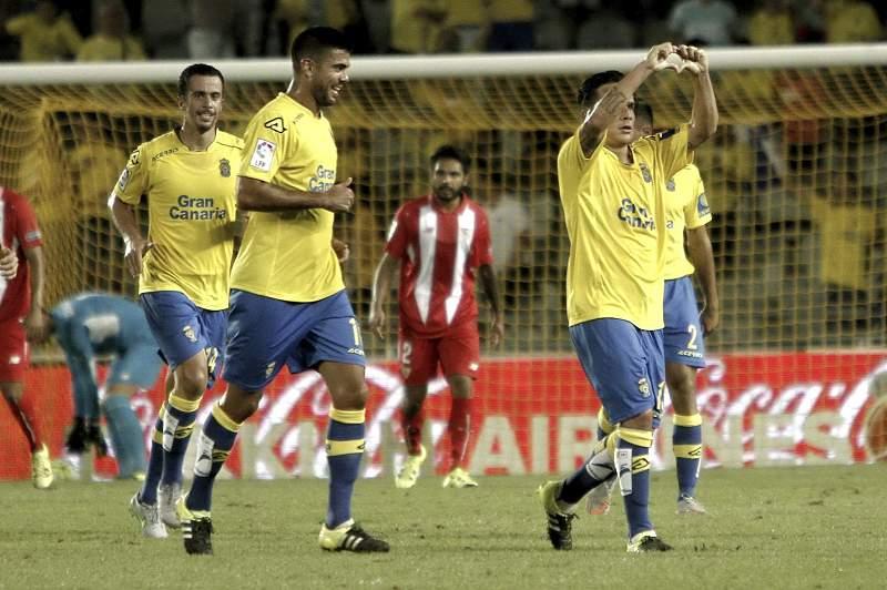 Roque Mesa celebra um golo dos Las Palmas frente ao Sevilha