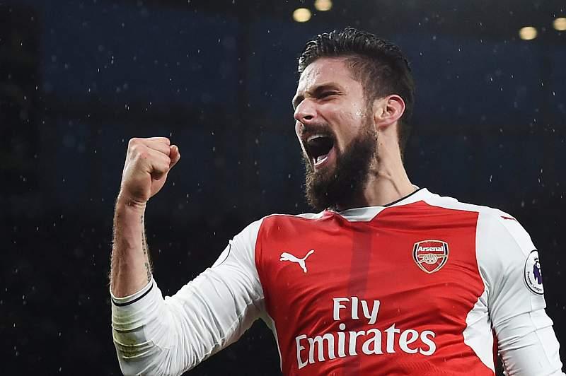 Estreia de sonho de Marco Silva. Arsenal goleia com autogolos