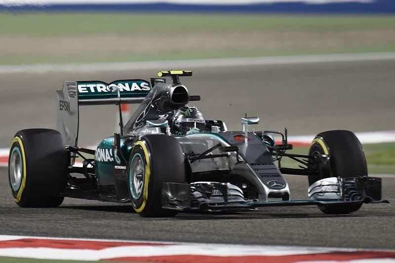 O piloto britânico Lewis Hamilton, líder do Mundial de Fórmula 1, conquistou hoje a quarta 'pole position' no campeonato de 2015 – em quatro corridas -, ao ser o mais rápido na qualificação para o Grande Prémio do Bahrain.