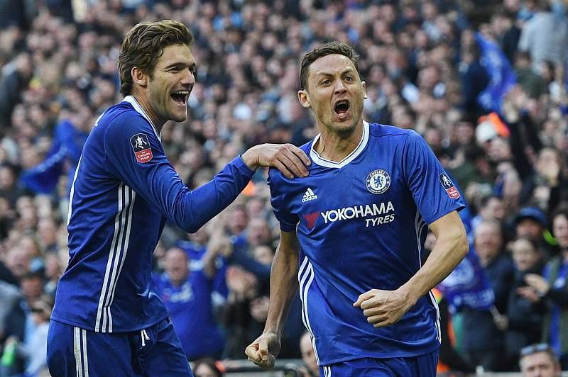 Matic marcou um dos golos do Chelsea no triunfo diante do Tottenham por 4-2