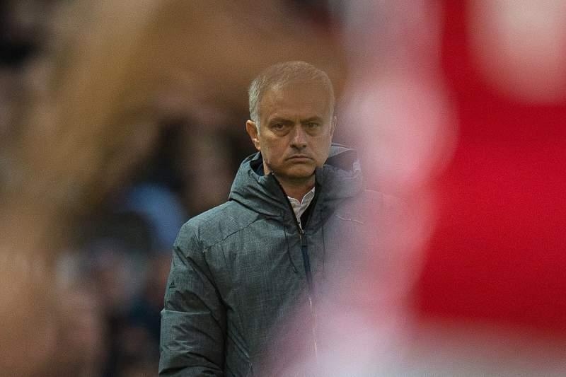 José Mourinho durante um jogo do Manchester United na Liga Europa frente ao Anderlecht