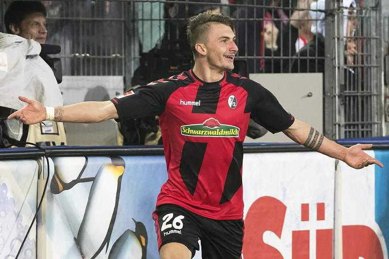 Maximilian Philipp celebra um golo pelo Friburgo
