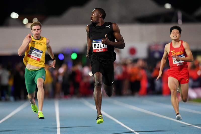 Campeão olímpico jamaicano quer jogar futebol ao mais alto nível e ser um dos 50 melhores do mundo.