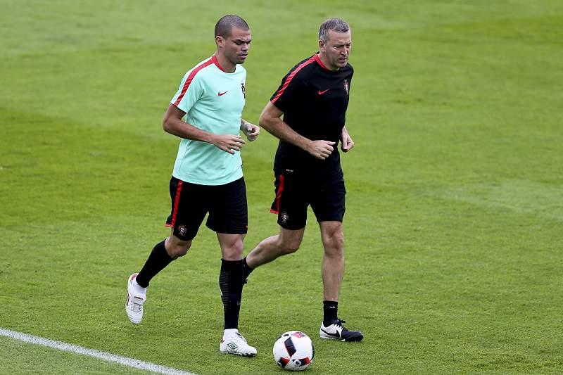 Pepe treina condicionado e continua em dúvida para o jogo com Gales
