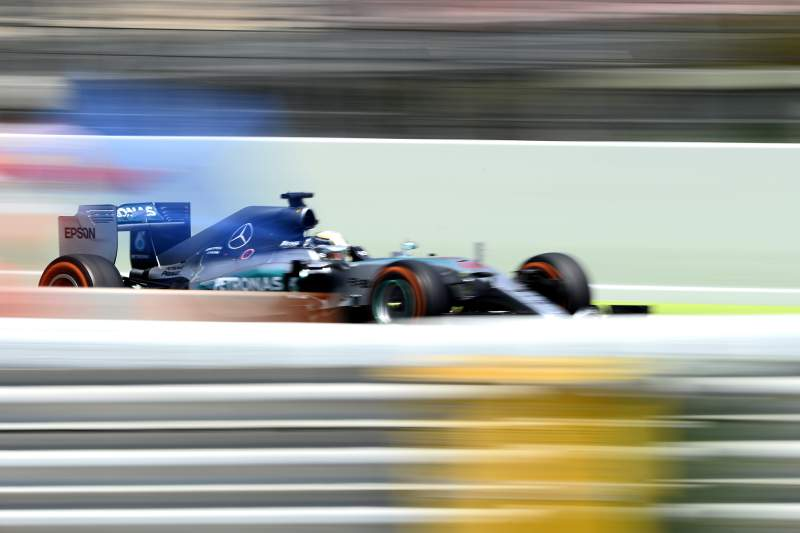 Lewis Hamilton em ação no Grande Prémio de Espanha 2015