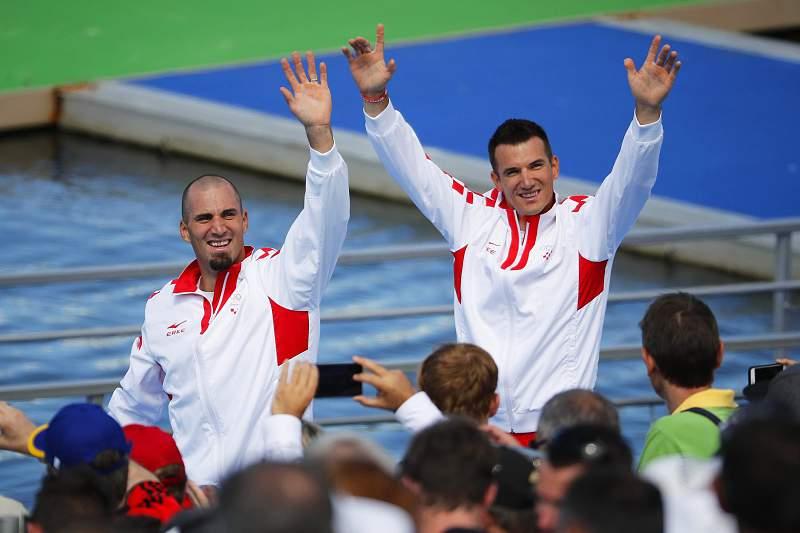 Dupla de irmãos croatas vence em double scull