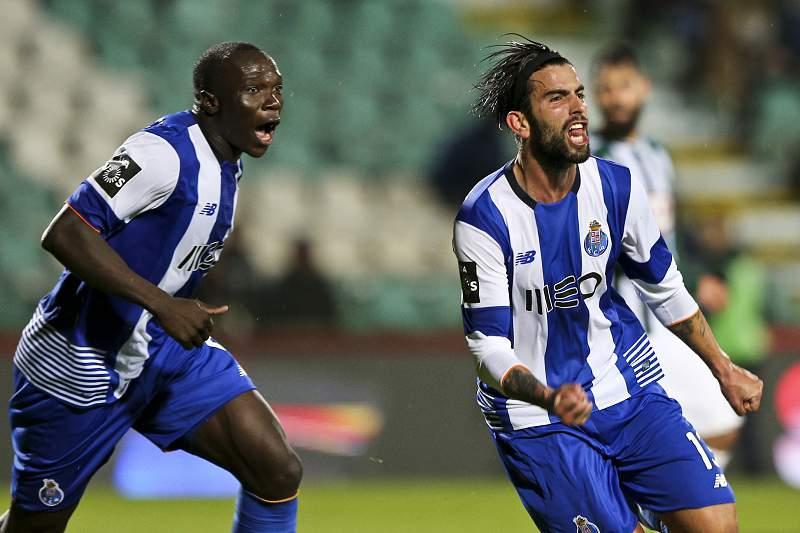 Sérgio Oliveira e Aboubakar